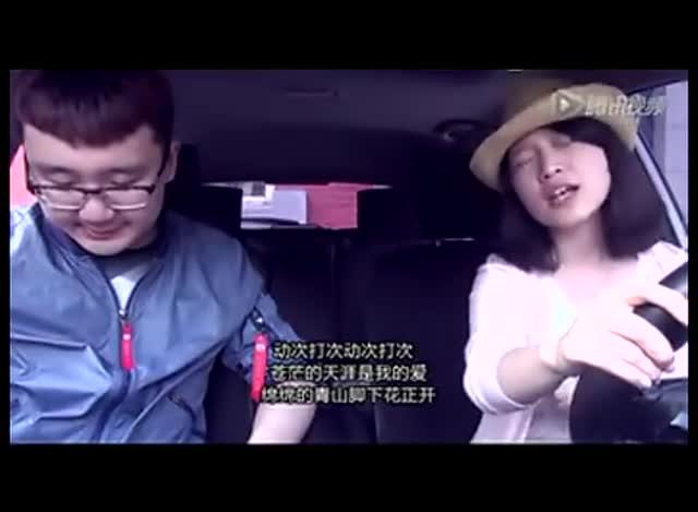 学驾心得:偷拍女学员和教练在车内的一幕